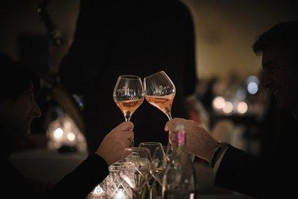 Idee per San Valentino 2021 con delivery o con un vino speciale