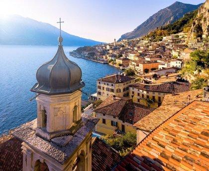 Montagne, laghi, colline tappezzate di vigneti: destinazione Brescia
