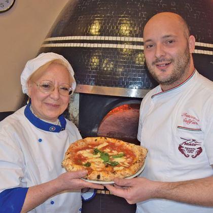 A Villa Palmentiello la pizza napoletana di Maria Calabrese